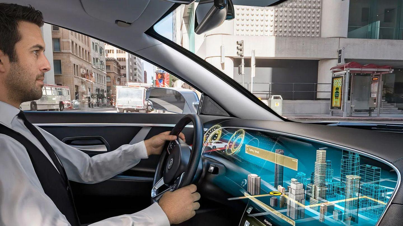 Mit solchen Visioen wollen die Autohersteller zurückschlagen, doch in Massenmodellen werden solche Cockpits unbezahlbar bleiben.
