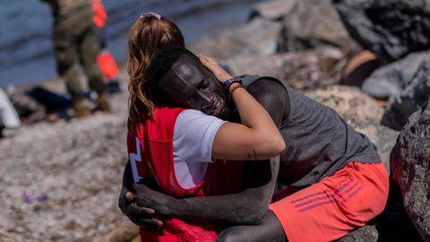 Migrationspolitik: Notstand in EU-Exklave Ceuta: Das scheußliche Spiel mit den Migranten