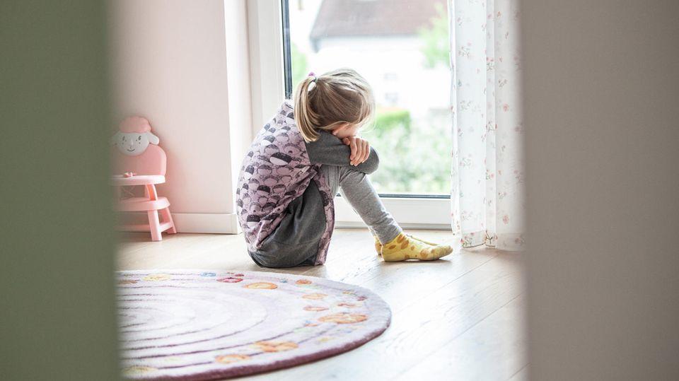 Die Pandemie wird nach wie vor auf den Rücken der Kinder ausgetragen