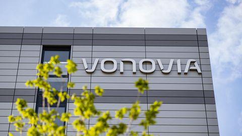 Der Schriftzug des Wohnungsunternehmens «Vonovia» an der Firmenzentrale.