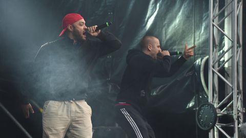 """Hip-Hop-Formation K.I.Z. steht bei einem Konzert unter dem Motto """"wirsindmehr""""in Chemnitz auf der Bühne"""