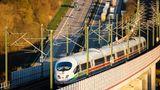 Mir Einführung des ICE 3 der Baureihe 403/406/407 (82 Exemplare) ab 2000 wurde sich vom Triebkopfbetrieb in den Steuerwagen verabschiedet und der Unterflurantrieb eingeführt. Das bedeutete eine geringere Achsenlast. Auch ist diese Generation gemäß internationaler Anforderung schmaler. Die Version 406 eignet sich für die Gleichstromnetze in den Niederlanden und Belgien. Ein Redesign erfolgte 2017, die Anzahl der Sitzplätze beträgt 419 bis 450.