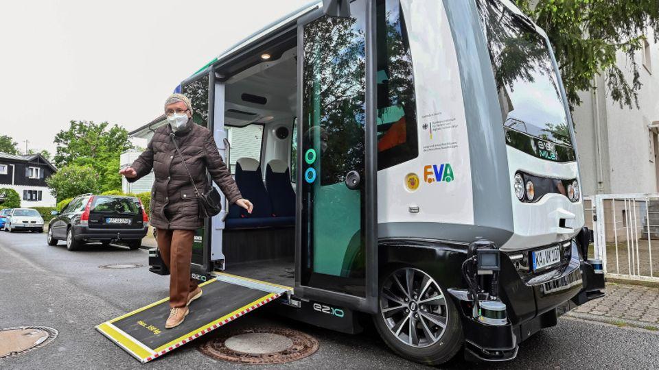 Autonomer Elektrobus in Karlsruhe