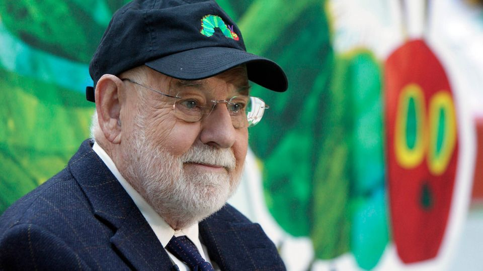 Eric Carle, Autor der Kleinen Raupe Nimmersatt