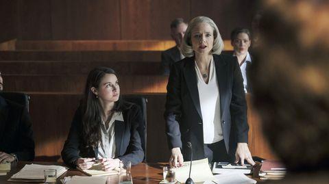 """Jodie Foster (rechts) und Shailene Woodley in einer Szene aus """"Der Mauretanier"""""""