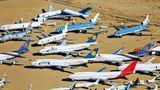 Mojave Air and Space Port  In dem trockenen Wüstenklimas Kaliforniens haben sich ausrangierte Jets aus der ganzen Welt versammelt, darunter Jumbojets von Lufthansa, Thai Airways und ein Exemplar von Qantas im Vordergrund.