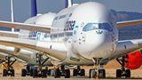 Flughafen Teruel in Spanien  Durch die Coronakrise in der Luftfahrt konnte die Firma stark expandieren. Lufthansa hat hier nicht nur alle 17 für immer ausrangierten Airbus A340-600 abgestellt, sondern auch fast alle ihre Flaggschiffe vom Typ Airbus A380.