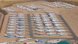 Flughafen Teruel in Spanien  Auf einem Hochplateau im Nordosten Spanien liegt dieser Airport, der keinen Passagierterminal hat, sondern eine riesige Abstellfläche für nicht mehr benutzte Flugzeuge. Die Firma Tarmac Aerosave konserviert und recycelt hier Flugzeuge.