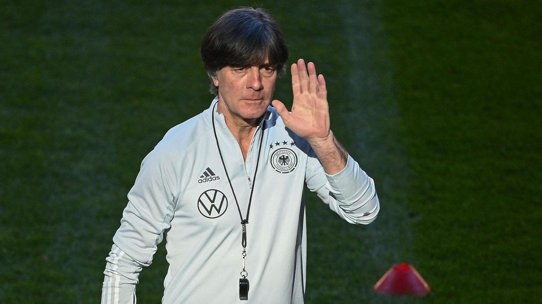 Strenger Blick: Joachim Löw im März 2021