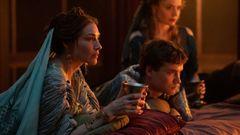 Oktavia, die ältere Schwester des Augustus, und ihr Sohn stehen den Ambitionen der Domina im Wege.