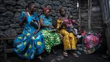 Geflohene Frauen in Sake