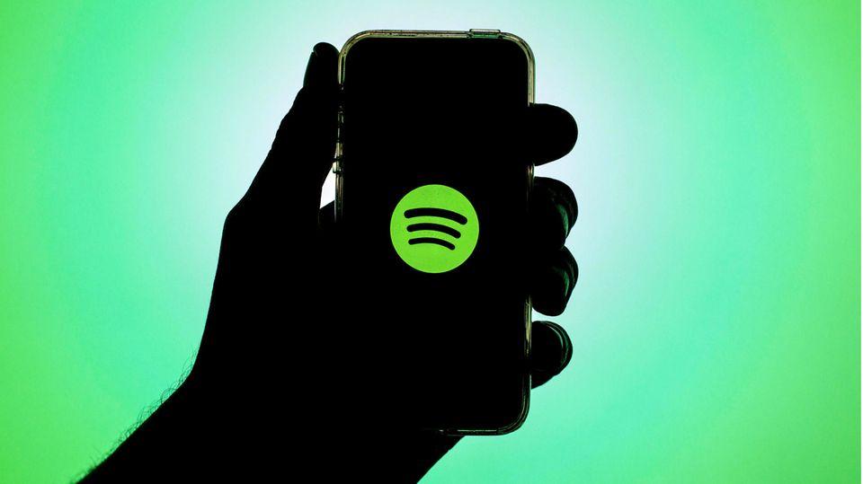 Spotify Logo auf einem Smartphone-Bildschirm