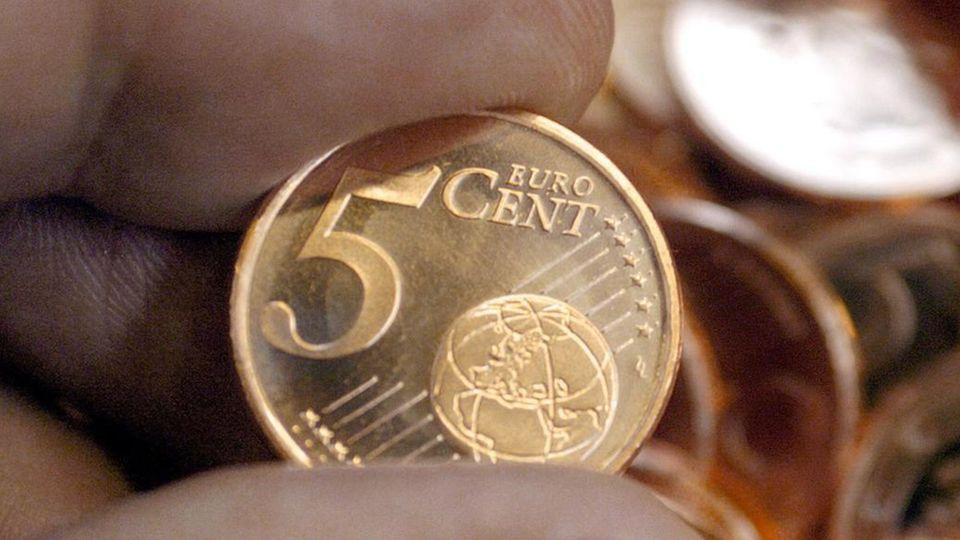 Einige 5 Euro Cent Münzen sind ein kleines Vermögen wert.