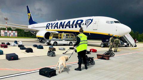 Die Ryanair-Maschine auf dem Flughafen der belarussischen Hauptstadt Minsk