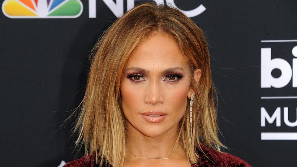 Jennifer Lopez ist seit ihrer Trennung von Ex-Baseball-Profi Alexander Rodríguez wieder zu haben.