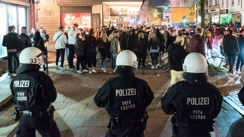 Polizei räumt nach illegaler Rave-Party das Hamburger Schanzenviertel