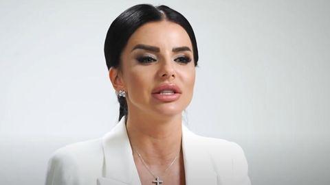 Ehemaliget.A.T.u-Sängerin Julia Wolkowa kündigt mit einem Wahlwerbe-Video ihre Kandidatur für die Duma an