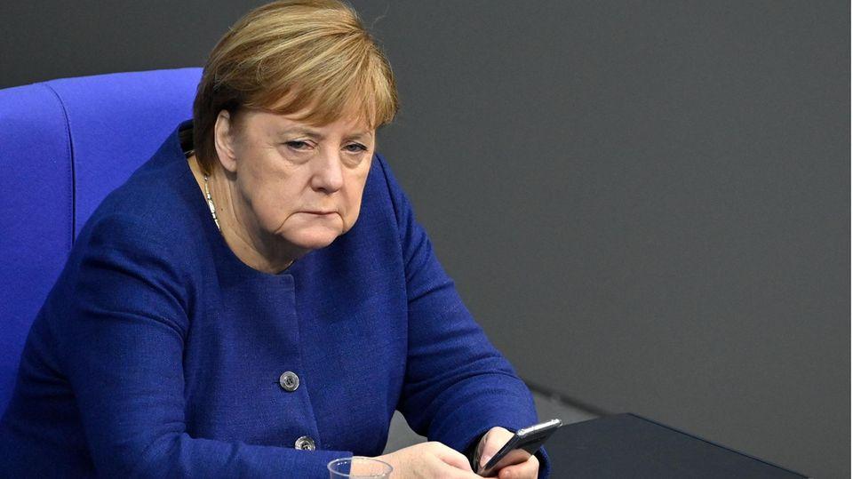 Bundeskanzlerin Angela Merkel (CDU) im Bundestag