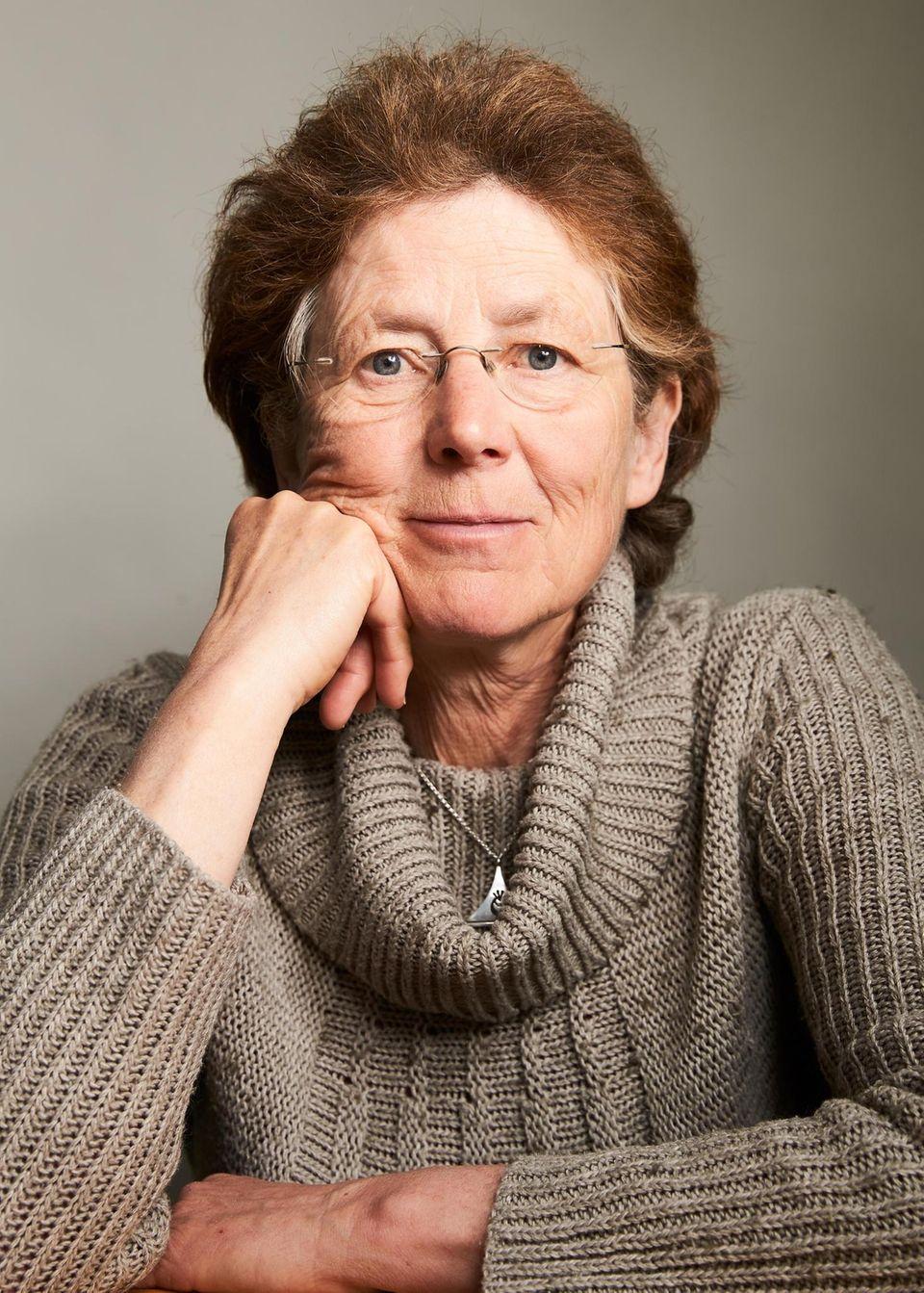 Kristina Hänel, 64, Ärztin   Ich darf auf der Homepage meiner Praxis nicht über Methoden oder Komplikationen von Abbrüchen aufklären. Das ist absurd und unwissenschaftlich. Mit Verboten verhindert man keine einzige Abtreibung – man gefährdet die Gesundheit der Frauen.