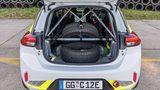 Trotz massivem Überrollkäfig wiegt der Opel Corsa e-Rallye 60 Kilogramm weniger als das Serienmodell