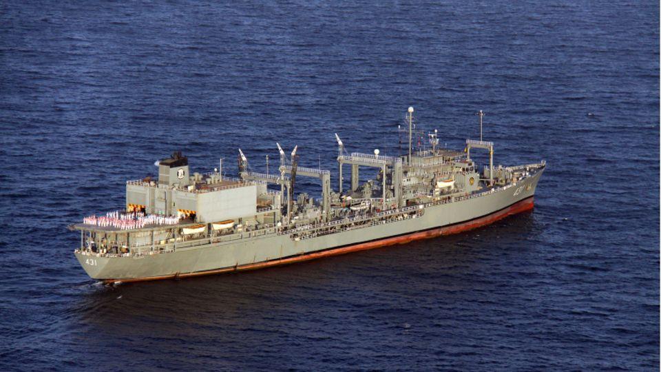 """Das Schiff """"Charg"""" der iranischen Marine."""