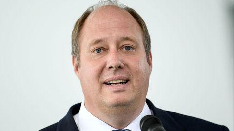 Kanzleramtschef Helge Braun spricht