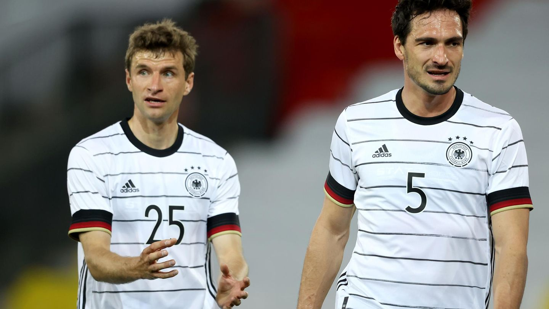 Als wären sie weg gewesen: Thomas Müller und Mats Hummels im Testspiel gegen Dänemark vor der Fußall-EM