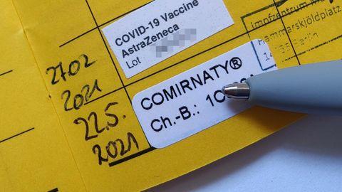 Gemischte Impfung mit Astrazeneca und Biontech: Ein Impfpass