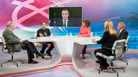 """Die """"maybrit illner""""-Runde, von links: Alexander Gauland, Kevin Kühnert, Maybrit Illner, Gregor Gysi, Melanie Amann"""