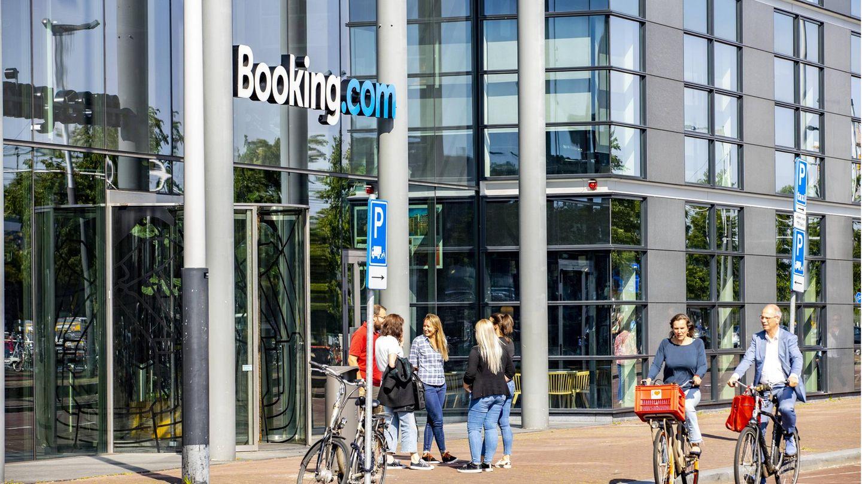 Die Zentrale des Online-Portals Booking.com am Ijhaven in Amsterdam