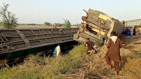 News von heute: Zugunglück in Ghotki, Pakistan