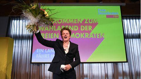 Lydia Hüskens nach den ersten Hochrechnungen der Landtagswahl in Sachsen-Anhalt
