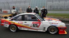 Das Kultauto des 24 Stunden Rennens: Dieser Opel Manta ist schon 20-mal im Rennen um den Nürburgring angetreten. Sein Fahrer der 74-jährige Hans-Olaf Beckmann war schon 40-mal dabei.