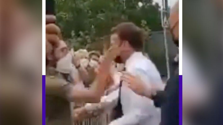 Emmanuel Macron wird während eines Termins geohrfeigt