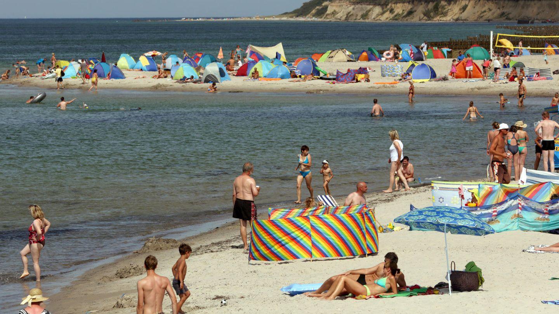 Der Strand im Ostseebad Wustrow auf der Halbinsel Fischland
