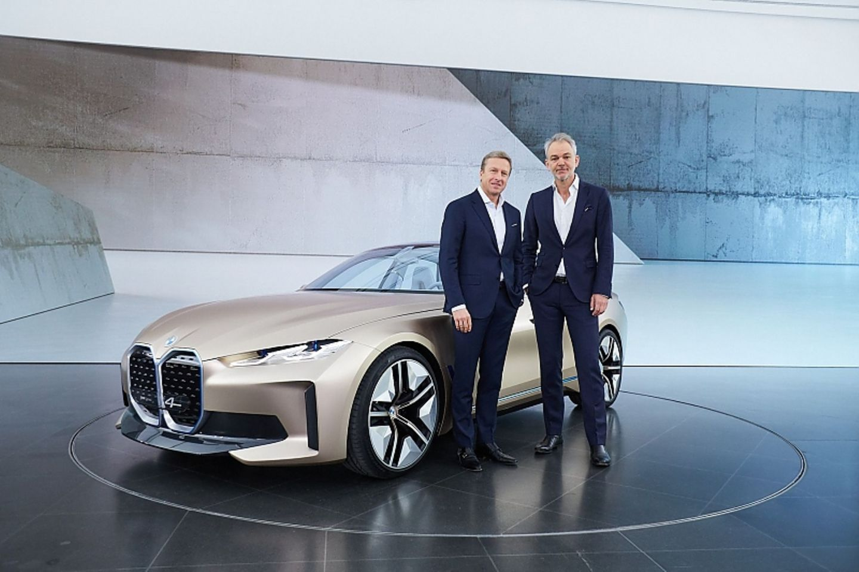 Blick in die Zukunft: das BMW Concept i4 Oliver Zipse Vorsitzender des Vorstands der BMW AG (links), Adrian van Hooydonk