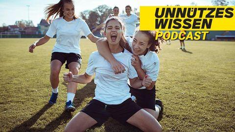 Mädchenmannschaft feiert Tor