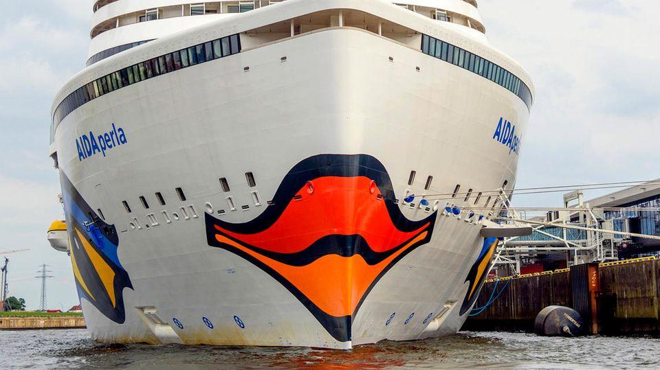 Die Aida Perla im Hamburger Hafen