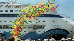 """Zurück zu den Anfängen: Das in Finnland gebaute Schiff hat Platz für """"nur"""" 1339 Passagiere. Zu Auswahl stehen drei Restaurants – bei dem jüngsten Flottenmitglied, der """"Aida Nova"""", sind es 17 Restaurants sowie 18 Bars und Clubs."""