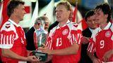 Henrik Larsen übernimmt den EM-Pokal