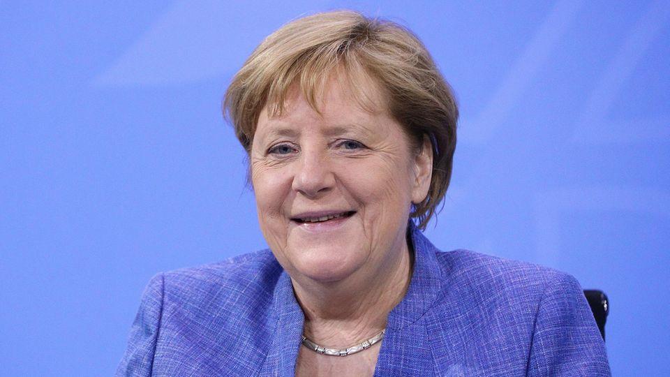 Bundeskanzlerin Angela Merkel bei der Ministerpräsident:innenkonferenz in Berlin