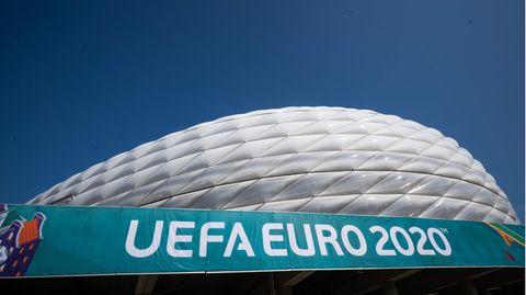 Die Münchner Allianz Arena ist einer der elf Austragungsorte der Europameisterschaft 2021. Am 15.06.2021 findet in diesem Stadion die Begegnung der Gruppe F, Frankreich gegen Deutschland statt.