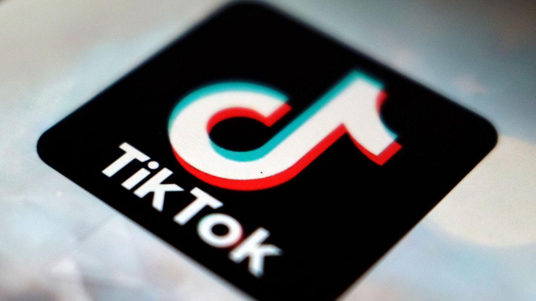 Das Logo der TikTok-App auf einem Smartphone