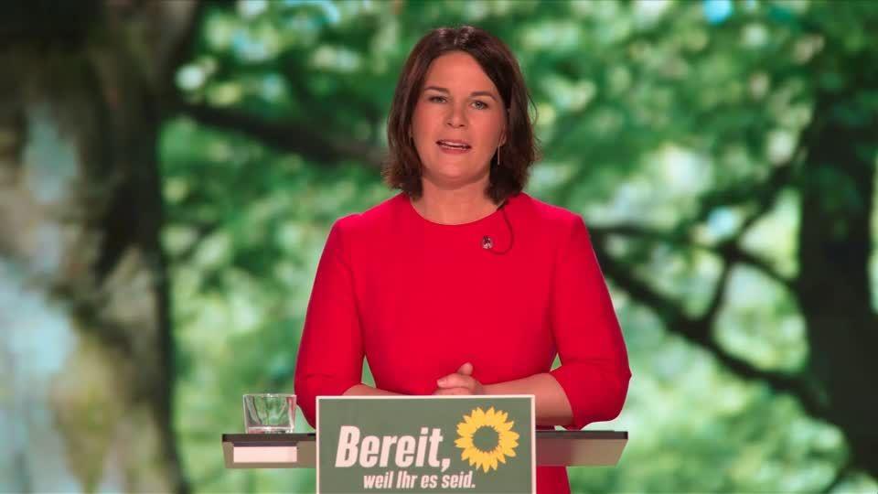 Grünen-Parteitag: Unzufriedenheit? Erleichterung? Annalena Baerbock entfährt nach ihrer Rede ein Kraftausdruck