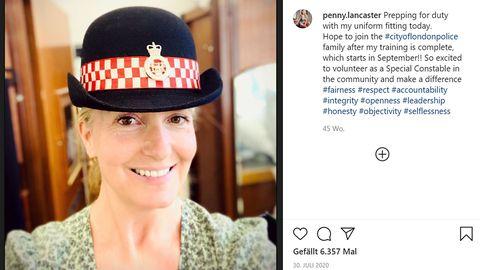Penny Lancaster: Frau von Rod Stewart arbeitet jetzt als Polizistin