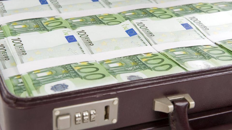 Voller Geldkoffer