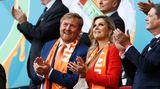 In Amsterdam zum ersten Spiel der Niederländer geben sich König Willem-Alexander und Königin Maxima die Ehre