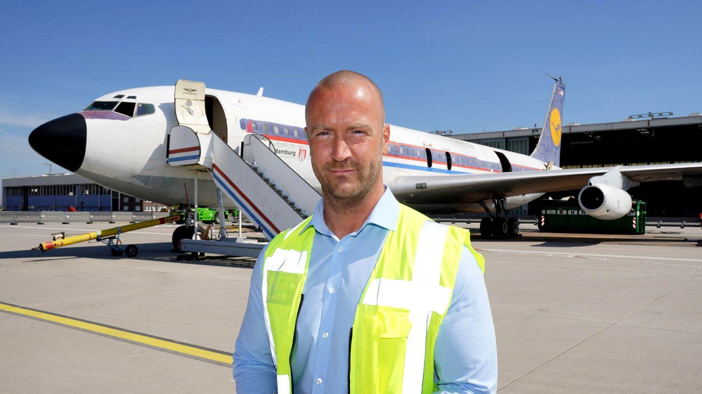 Bild 1 von 13der Fotostrecke zum Klicken:Jens-Peter Franz ist der Projektleiter der Demontage der Boeing 707 am Rande des Flugfeldes am Hamburg Airport.