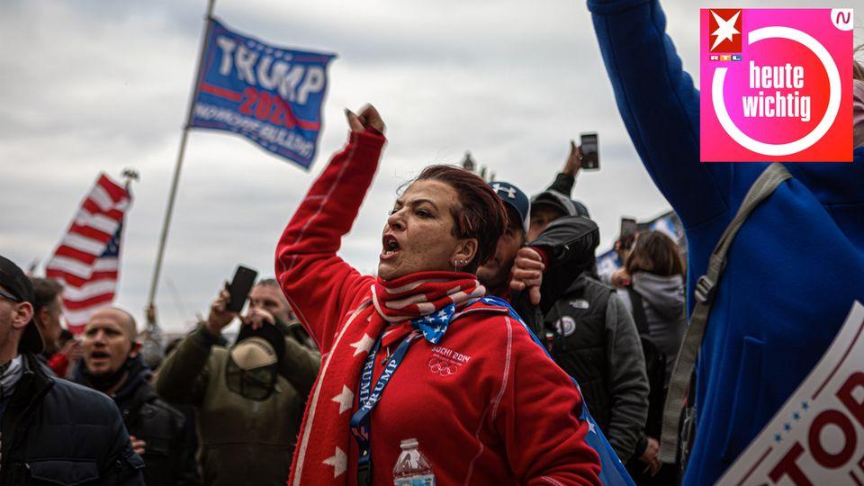 Anhänger des früheren US-Präsidenten Donald Trump protestieren vor dem Kapitol in Washington, USA