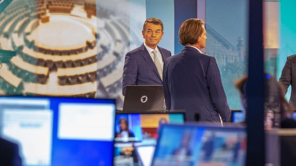 Der Übermittler der Daten: WDR-Programmdirektor Jörg Schönenborn am Abend der Wahl in Sachsen-Anhalt